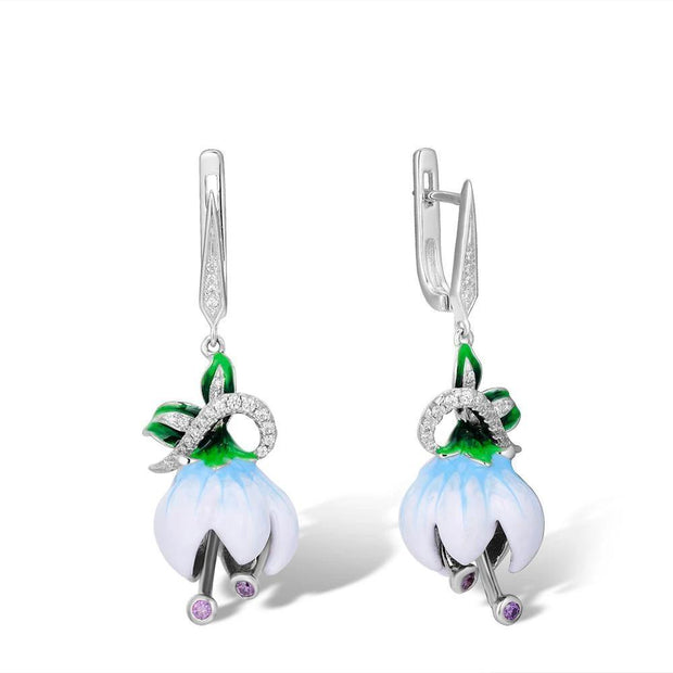 Exquisite White Blooming Flower Earrings - Women's Earrings