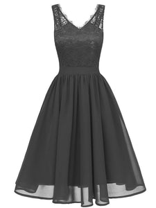 Flowergirl Vintage 1950s Strapped Hapqeelin Dress black
