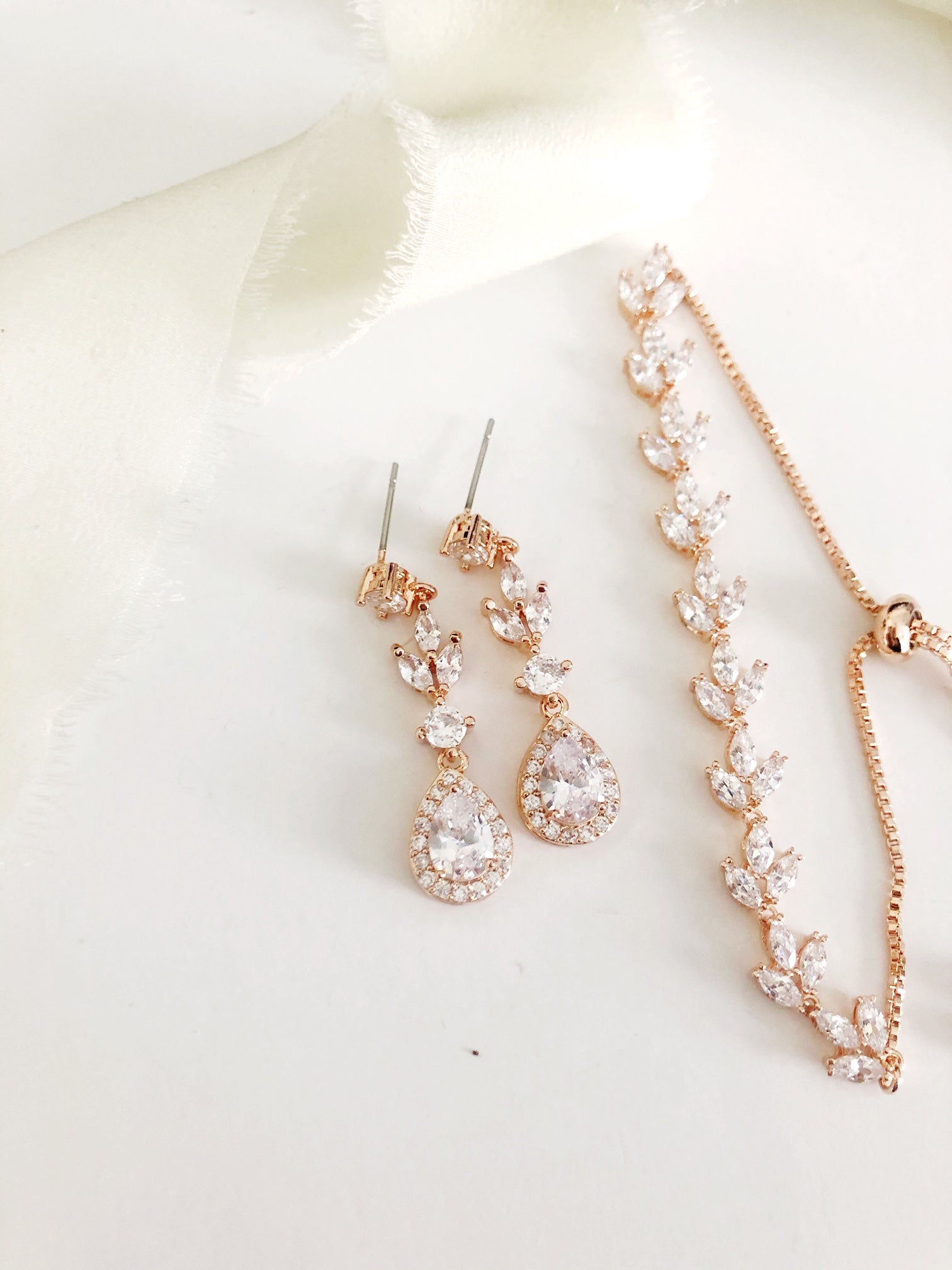 Lainee Rose Gold Diamond Earrings and Bracelet Set