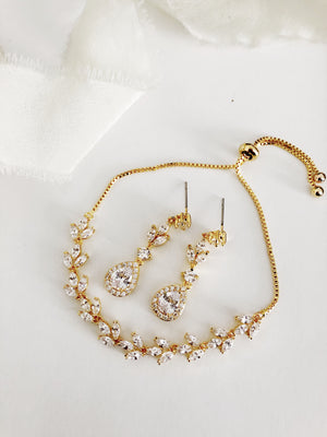Lainee Gold Diamond Earrings and Bracelet Set