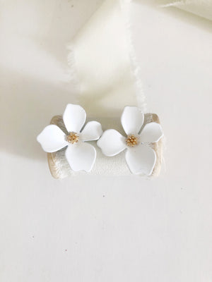 Jaxie White Flower Stud Earrings