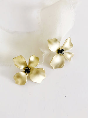 Penelope Gold Flower Stud Earrings