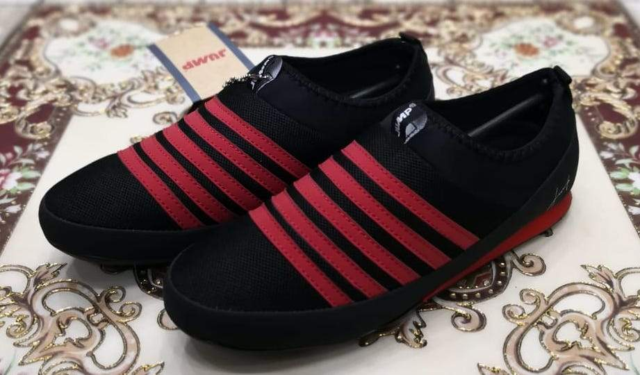 Authentic JUMP Red Stripes Black Casual Slip-ons Bahria Stores by AnzorStore in Casual Sneakers