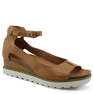 Django & Juliette Brayan Womens Tan Wedge Sandal