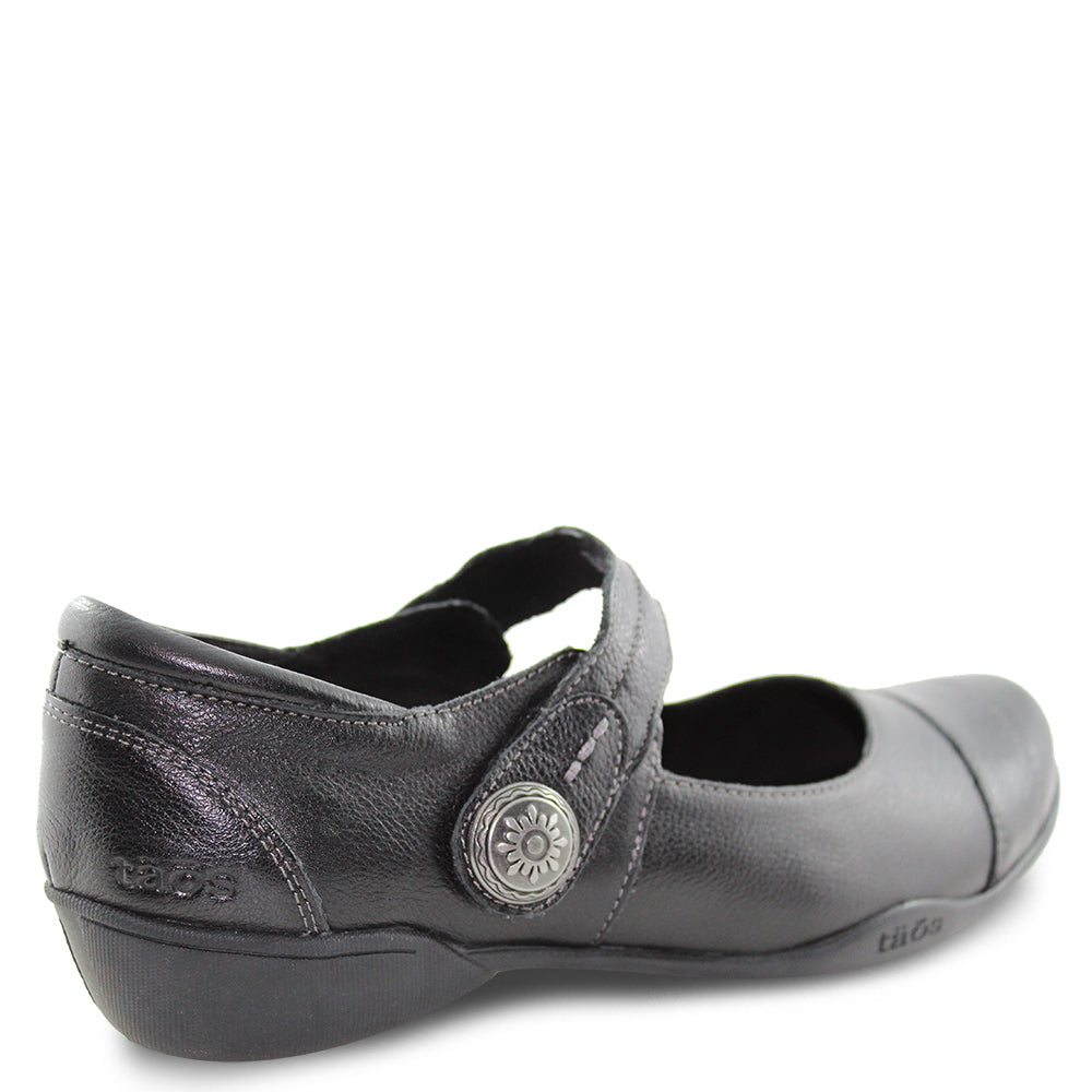 Taos Applause Black Womens flat shoe