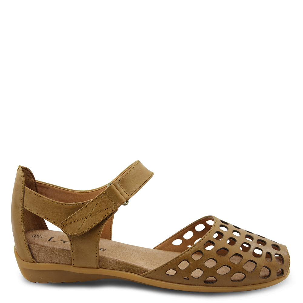 L'eclipse Daquiri womens flat sandal cognac