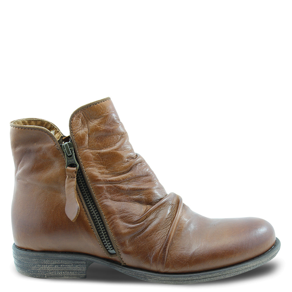 Eos Willet Brandy Womens Flat Boot