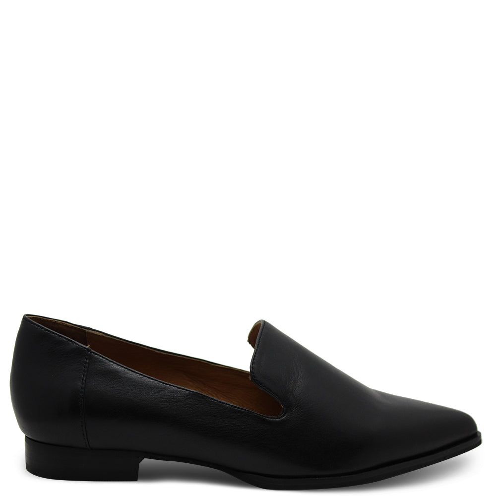 Eos Emil Womens Black Flat