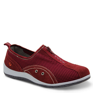 CC Resorts Sorrell Red Casual Flat