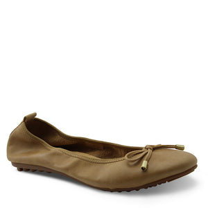Django & Juliette Belin Tan Womens Flat