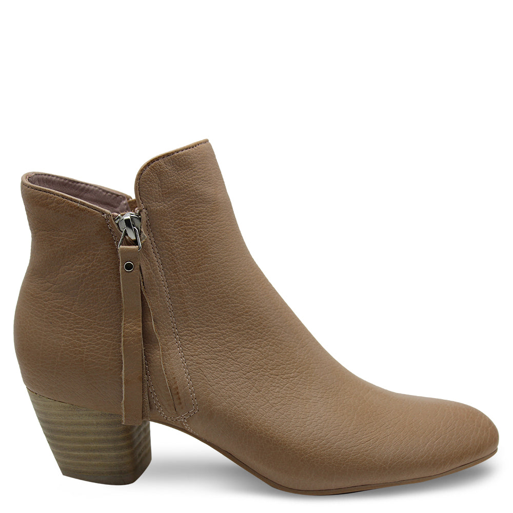 Django & Juliette Demanse womens heel boot