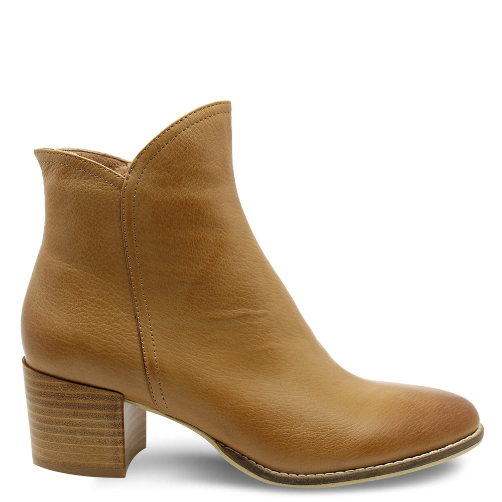 Django & Juliette Mockas Women's Low Heel Ankle Boots Tan