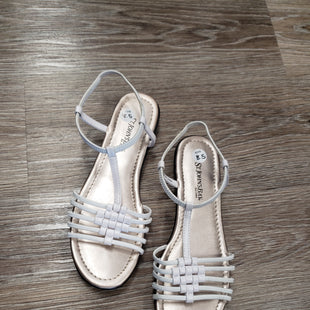 SANDALS BY ST JOHNS BAY SIZE 8.5 - WHITE.
