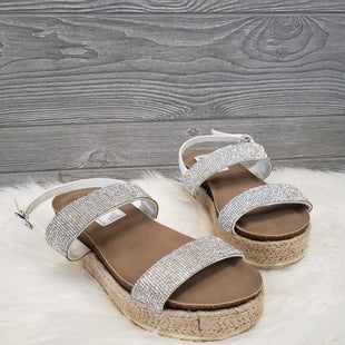 SANDALS BY TORRID SIZE 9 - SILVER AND TAN.