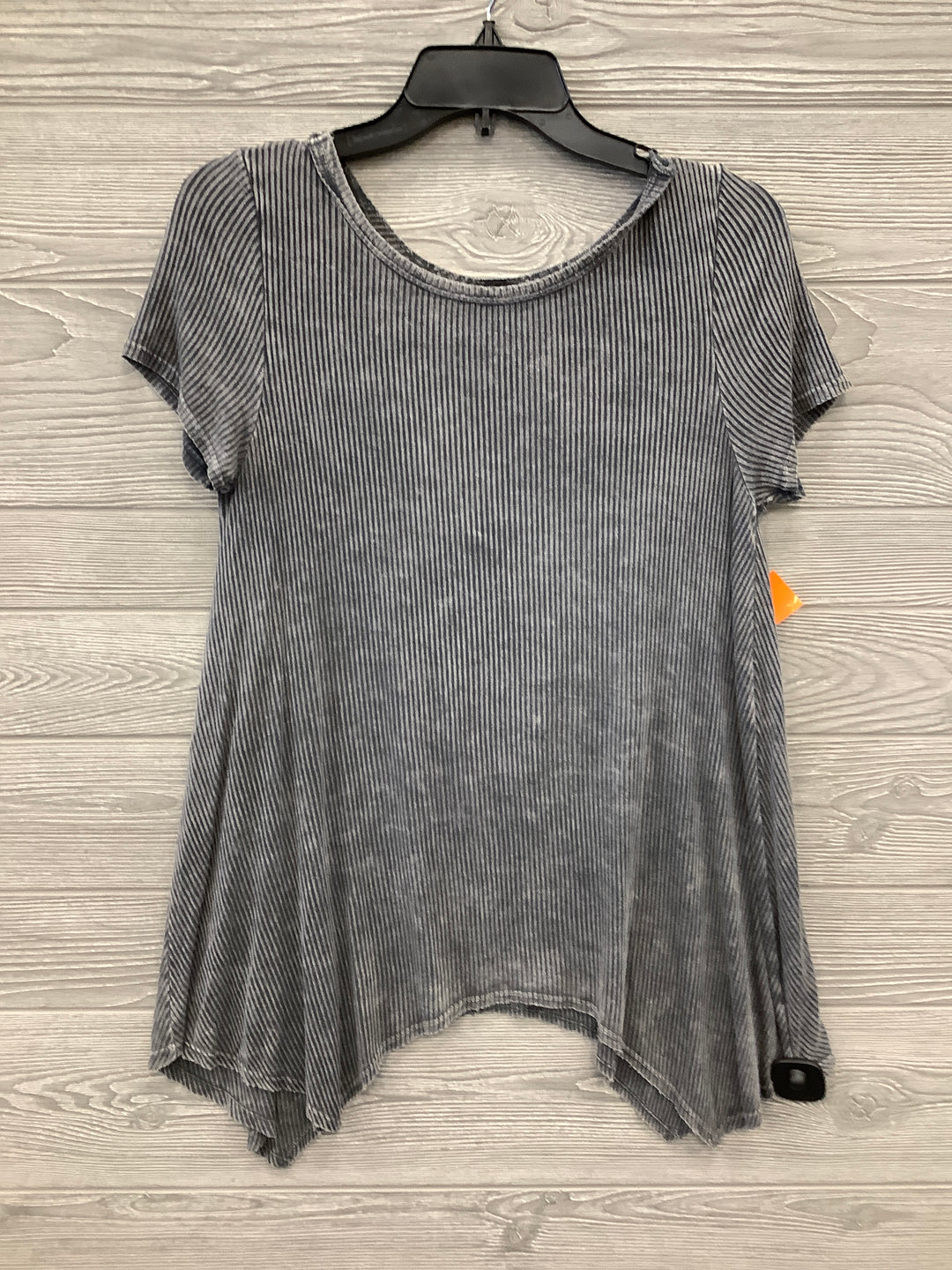 Primary Photo - BRAND: CMD <BR>STYLE: SHORT SLEEVE <BR>COLOR: CHARCOAL <BR>SIZE: M <BR>SKU: 40322081205U