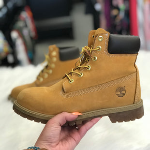 BOOTS SIZE 6 BY TIMBERLANDS - BROWN AS IS.