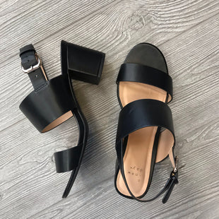 SANDALS LOW HEEL BY A NEW DAY SIZE 8.5 - BLACK .
