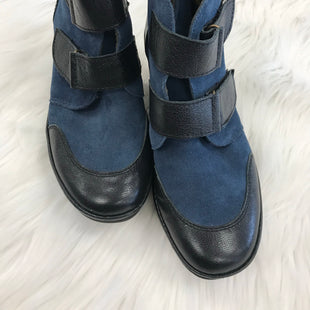 SHOES SIZE 8 BY FLY LONDON - BLUE .