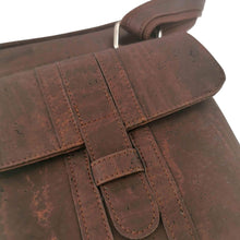 Load image into Gallery viewer, Brown cork fabric messenger bag for men, vegan and eco-friendly, front closure detail