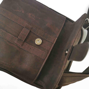 Brown cork fabric messenger bag for men, vegan and eco-friendly, external compartment detail