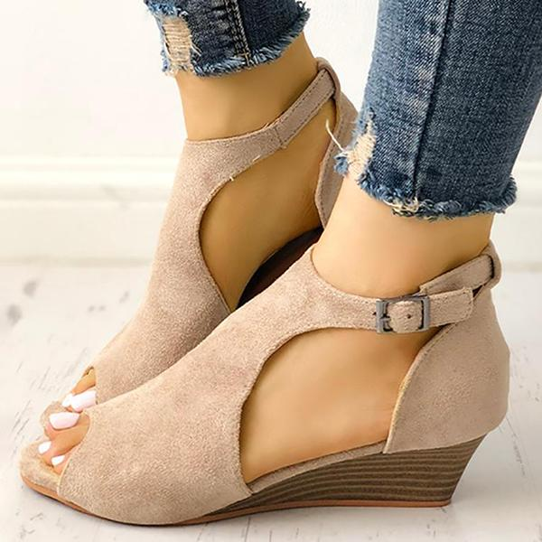Shoedoes Solid Peep Toe Buckled Wedge Heeled Sandals