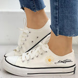 Shoedoes Daisy Pattern Eyelet Lace-up Sneakers