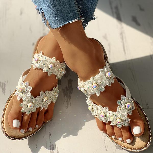 Shoedoes Studded Toe Post Flat Slippers