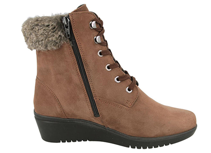 Womens Wide Fit DB Joyce Boots