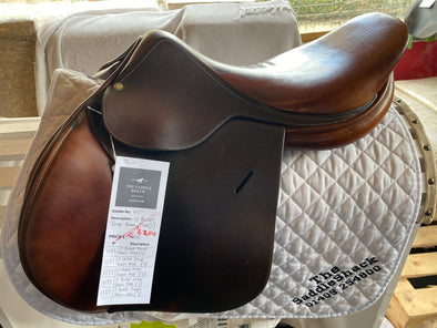 "#1177 17"" Butet Jump Saddle MED (3)"