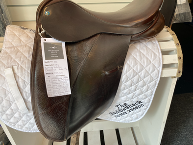 "#1118 17.5"" Burnridge Saddlery Dressage M/W Brown"