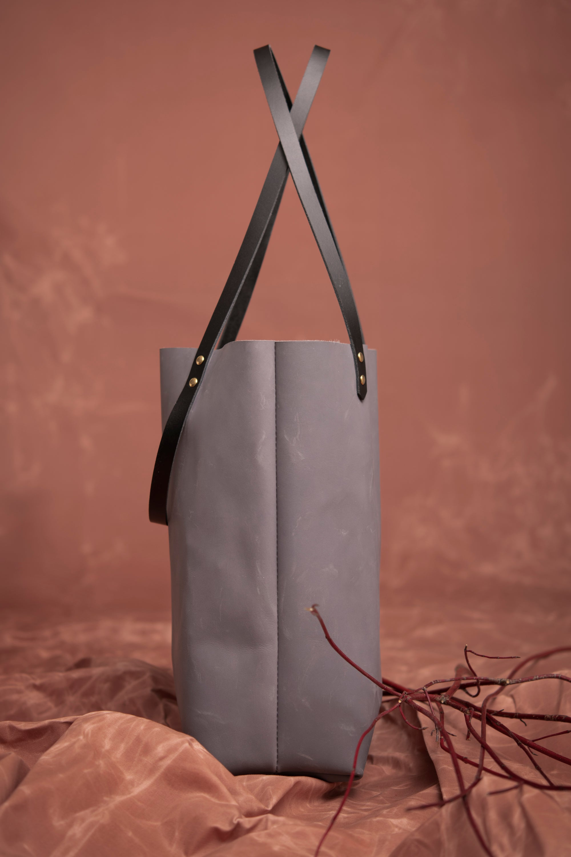 Veinage Molson grey leather minimalist tote bag