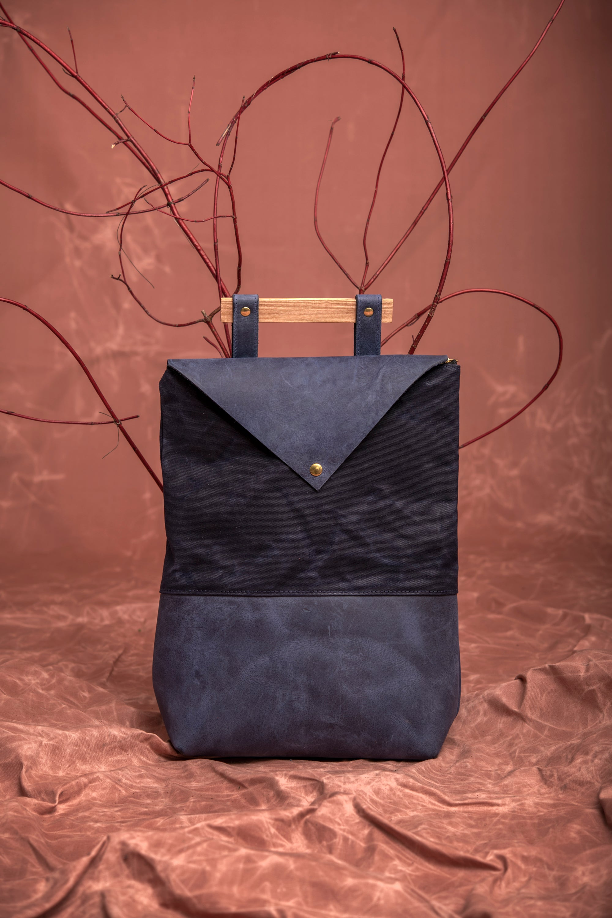 Veinage Fullum blue leather and waxed canvas backpack