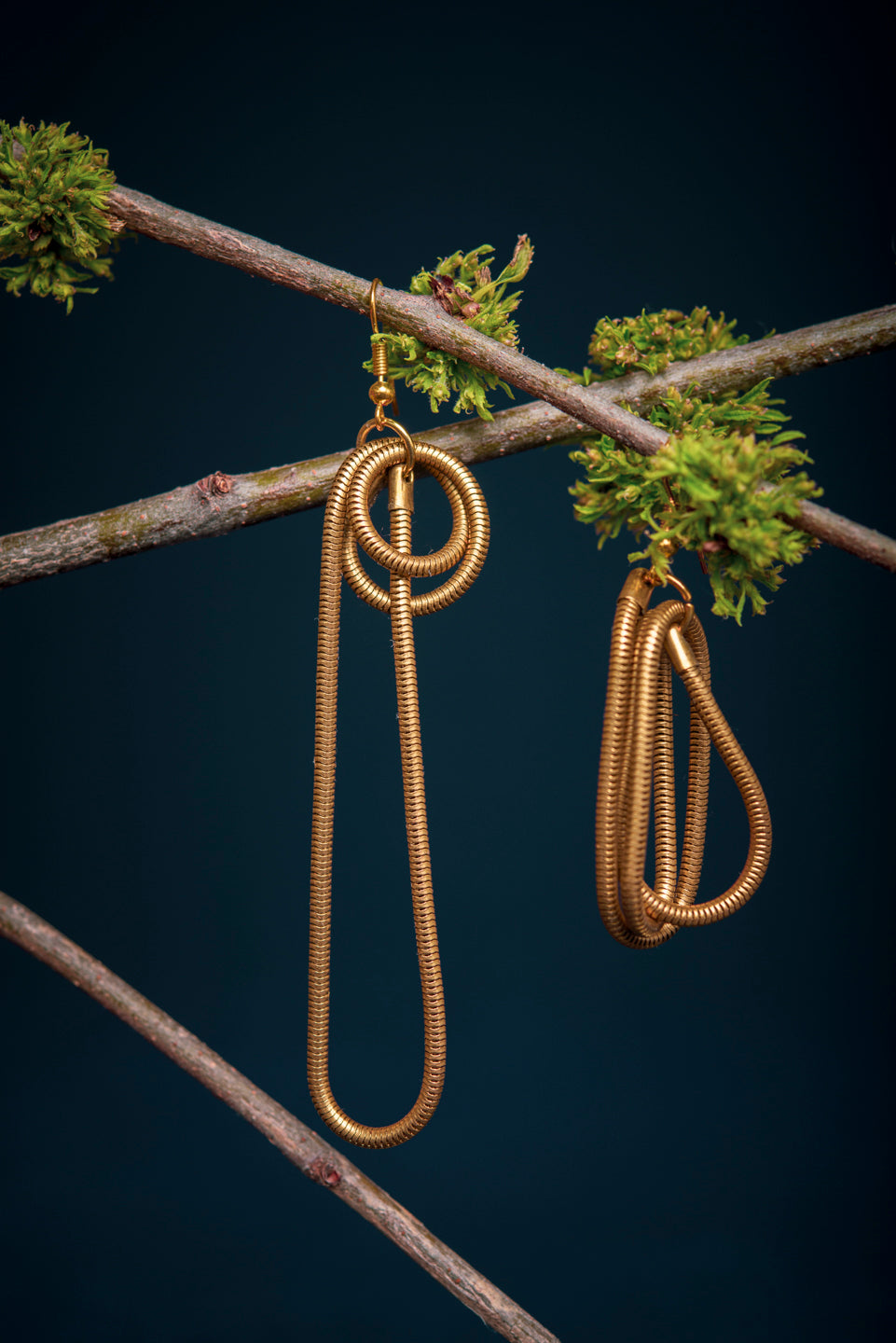 Brass snake chain earrings - 5e avenue