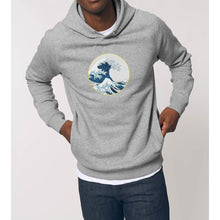 Charger l'image dans la galerie, sweat-shirt-bio-vague-surf-street-homme-mode-durable-gris-capuche-eco-responsable