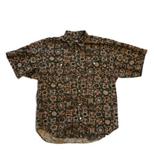 Load image into Gallery viewer, Guess Short Sleeve Button Down