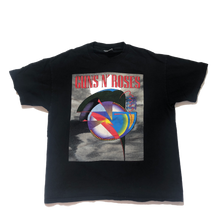 Load image into Gallery viewer, Guns N' Roses Tee