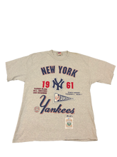 Load image into Gallery viewer, New York Yankees Tee