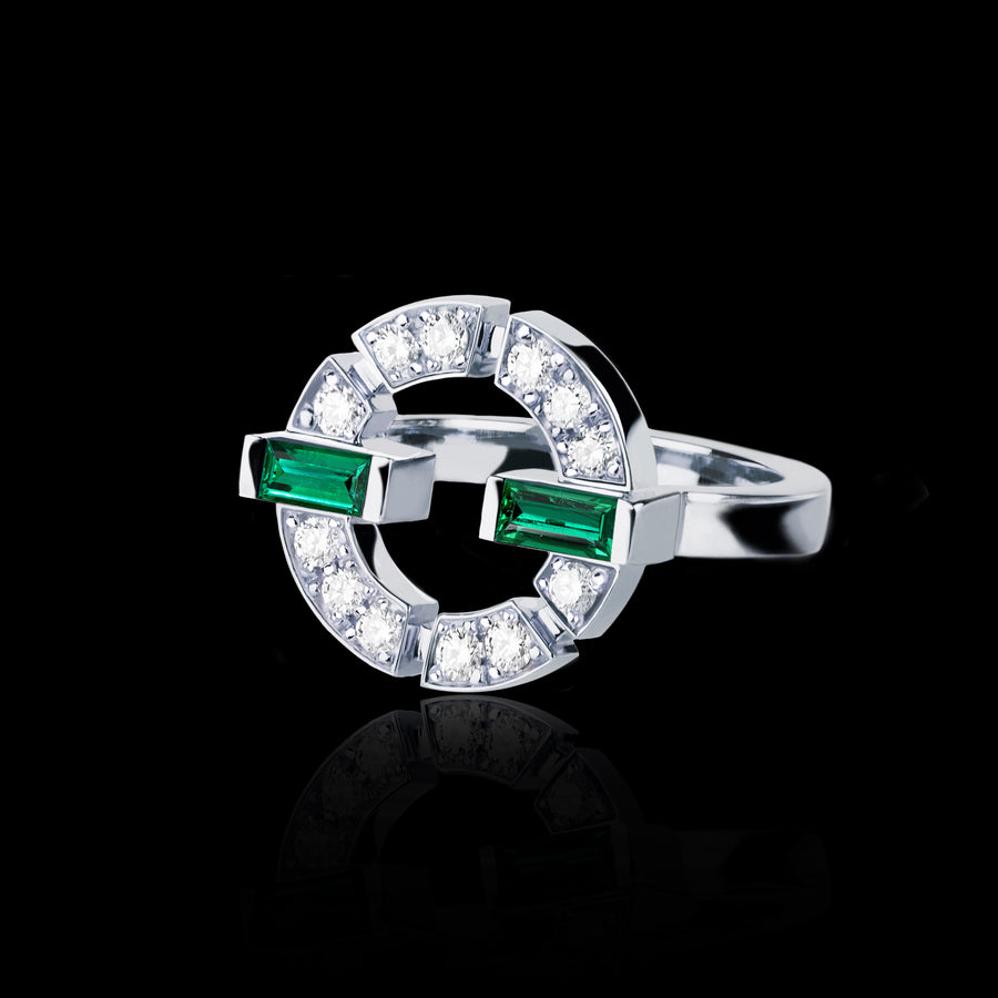 Regina Single Link Ring featuring diamonds and green emerald in White Gold by Stefano Canturi