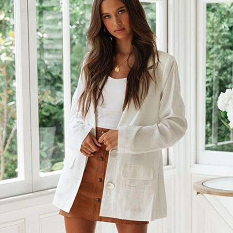 Fashion blog: Cute spring outfits for women - white breathable cotton blazer