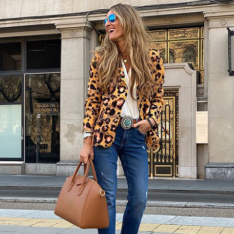 Fashion blog: 8 women's casual spring fashion essentials - woman wearing Leopard Pattern Slim Fit Blazer