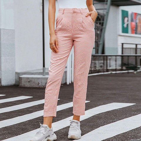 Fashion blog: 8 women's casual spring fashion essentials - woman wearing Plaid High Waist Pencil Pants