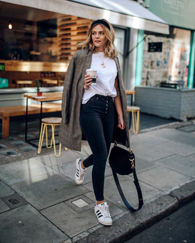 Check Coat + White Tee + Skinny Jeans + Sneakers