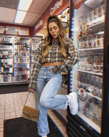 Cropped Flannel Shirt + Mom Jeans + Sneakers