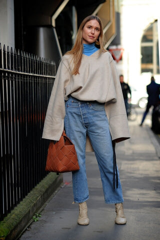 Oversize Top + Baggy Jeans + Boots