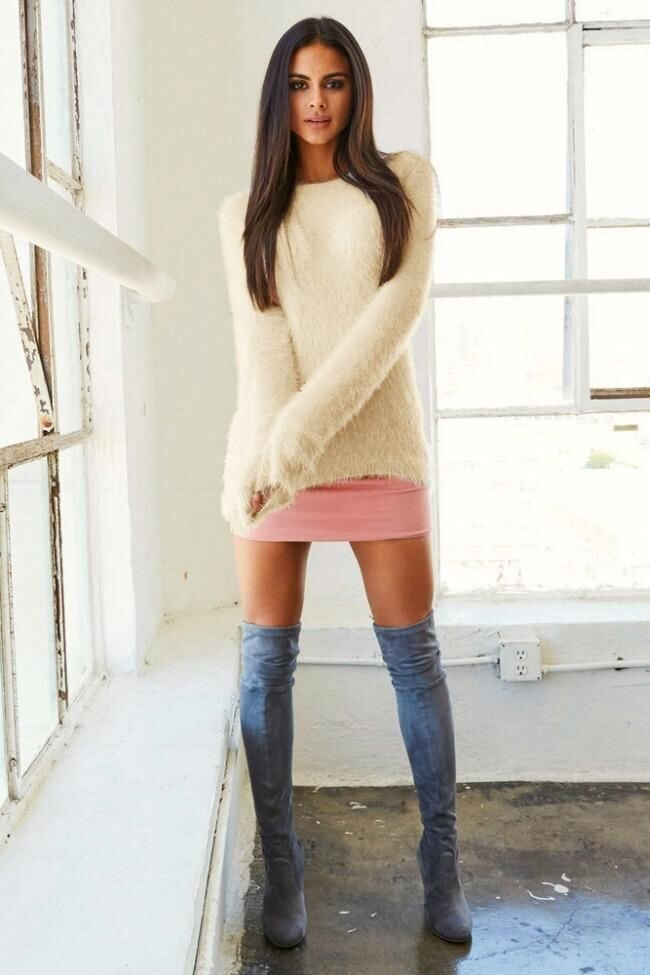 Round Collar Long Sleeve Sweater - Arona XO