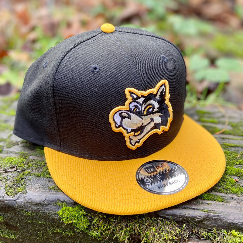 New Era 9FIFTY Black Gresham Greywolves Snapback