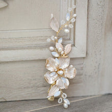 Load image into Gallery viewer, Mia Flower & Freshwater Pearl Gold Wedding Headpiece