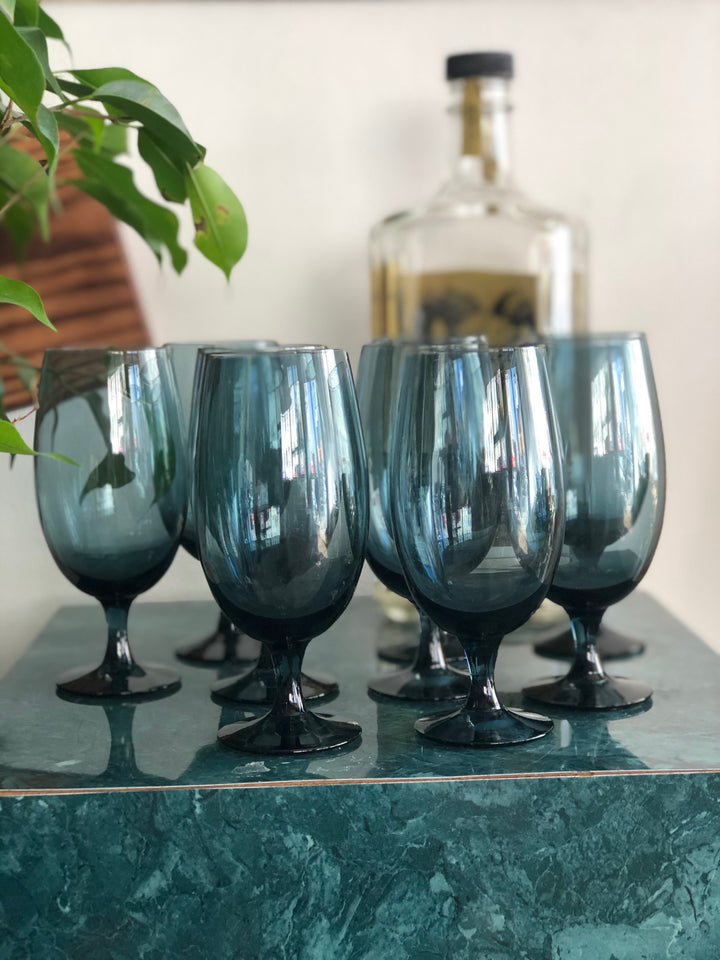 Set of 9 blue vintage glasses