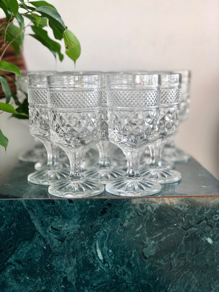 Set of 10 clear vintage goblets