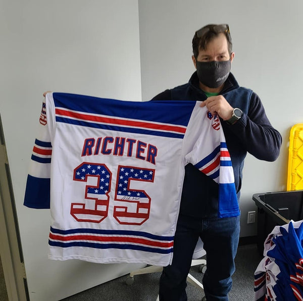 BREAKING: MIKE RICHTER SIGNING COMPLETE!